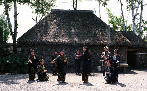アイヌ古式舞踊の写真2