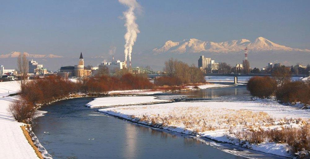 旭川から見える石狩川の写真