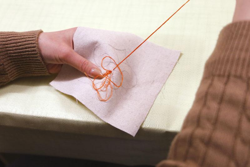 刺繍体験の様子